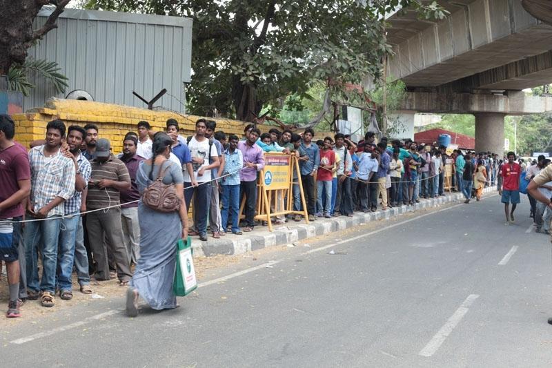 சென்னையில்  ஐ.பி.எல் டிக்கெட் விற்பனை - ஆல்பம்