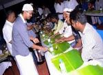 100 இஸ்லாமியர்களுக்கு இஃப்தார் விருந்து கொடுத்த விஜய் - சிறப்பு ஆல்பம்!