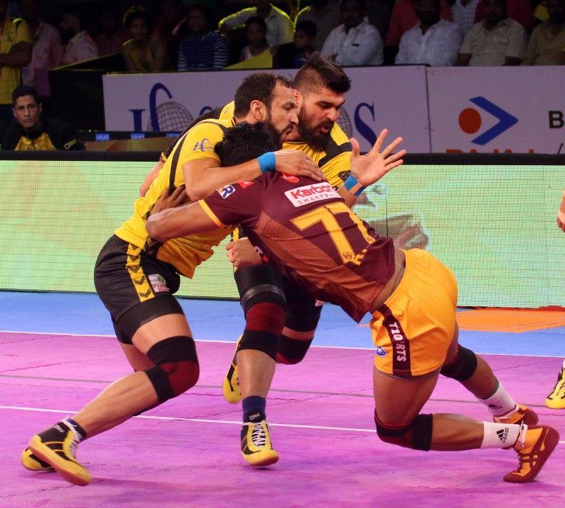 தெலுங்கு டைட்டன்ஸ் ஹாட்ரிக் தோல்வி, ராகுல் சவுதரிக்கு  லைக்ஸ் அள்ளியது, 'பாயின்ட் வரட்டும்' என காத்திருந்து டெல்லி தோற்றது..! #ProKabaddi