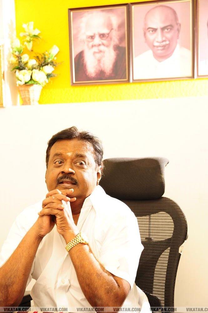 செல்ஃபி, ஒயிட் அண்ட் ஒயிட், நோ வேட்டி...!  விஜயகாந்த் எக்ஸ்க்ளூசிவ்  ஆல்பம்... படங்கள்:கே.ராஜசேகரன் #VikatanExclusive