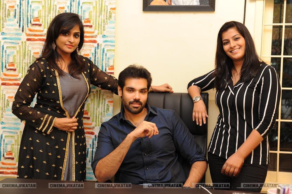 'சத்யா' திரைப்பட நட்சத்திரங்களுடன் ஜாலி சந்திப்பு.. படங்கள்: கே.ராஜசேகரன்
