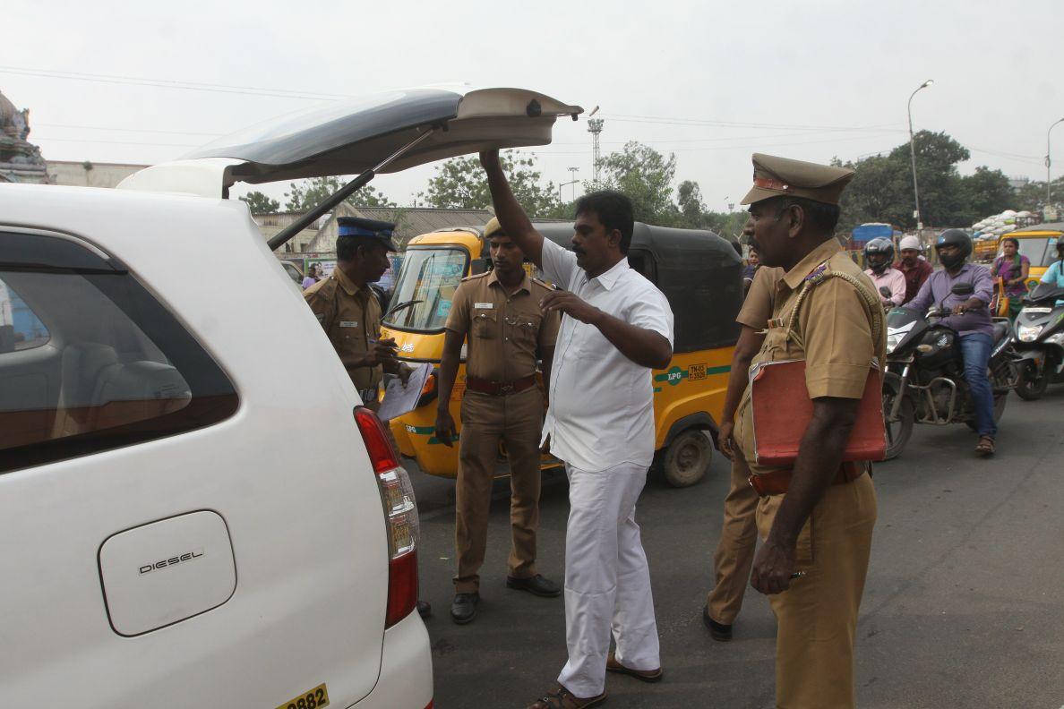 மூன்றாவது முறையாக நெருங்கும் தேர்தல்...மீண்டும் பரபரப்பாகி வரும் ஆர்.கே.நகர்