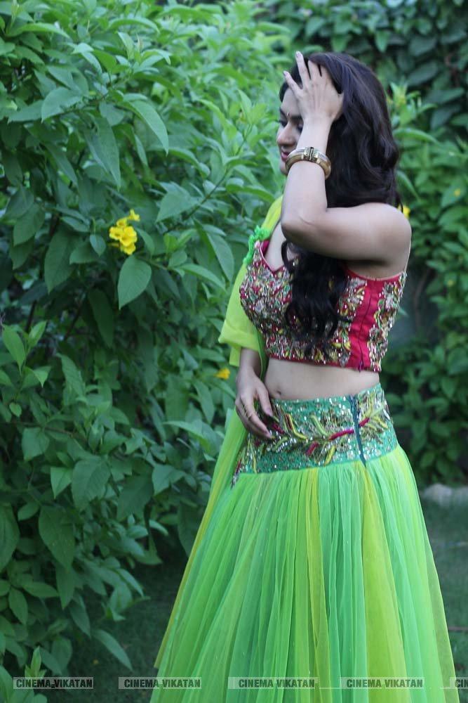 நடிகை வைபவி சாண்டில்யாவின் லேட்டஸ்ட் ஸ்டில்ஸ்..! படங்கள் - ப.சரவணக்குமார்