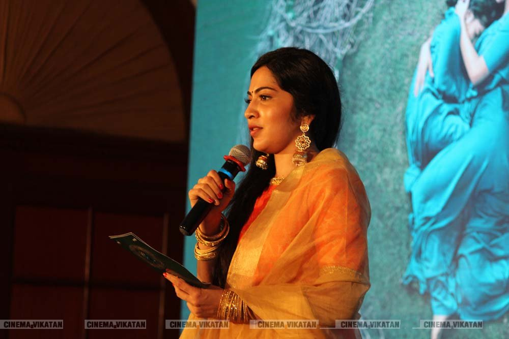 நடிகை சாய்பல்லவியின் லேட்டஸ்ட் ஸ்டில்ஸ்..! - படங்கள்: எஸ்.ரவிக்குமார்
