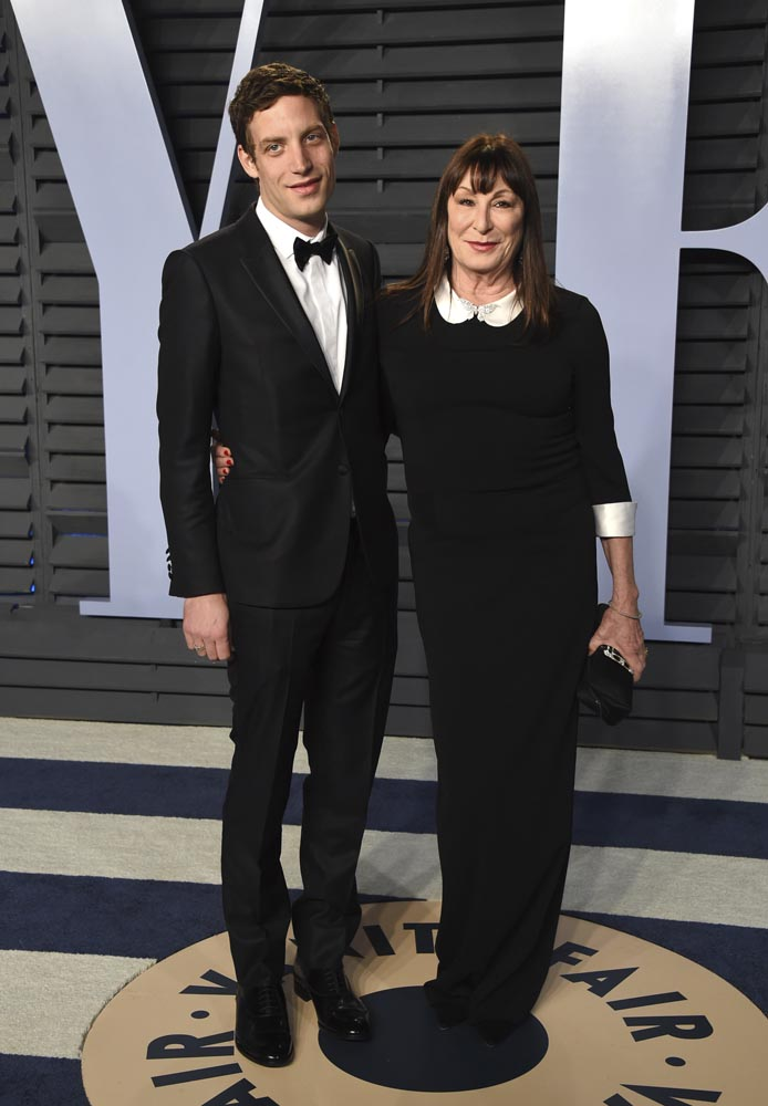 பிரமாண்ட மேடை... வண்ண உடை..  நட்சத்திர  வெள்ளத்தில் ஆஸ்கர் விருது விழா 2018 #Oscars