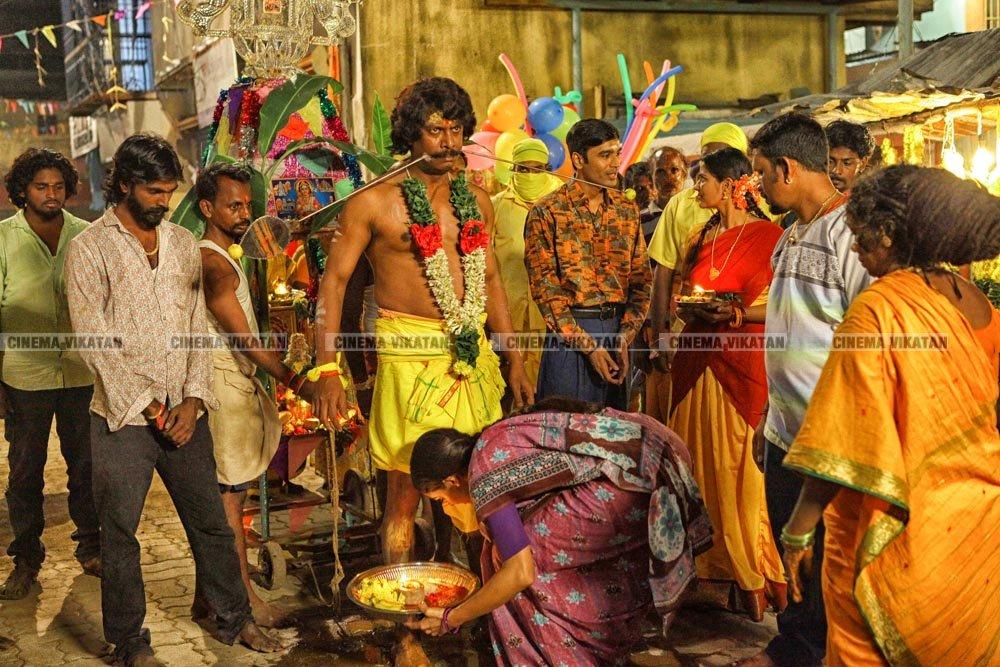 தனுஷ் - வெற்றிமாறனின் 'வடசென்னை' எக்ஸ்க்ளூசிவ் ஸ்டில்ஸ்..! #VadaChennaiFirstLook