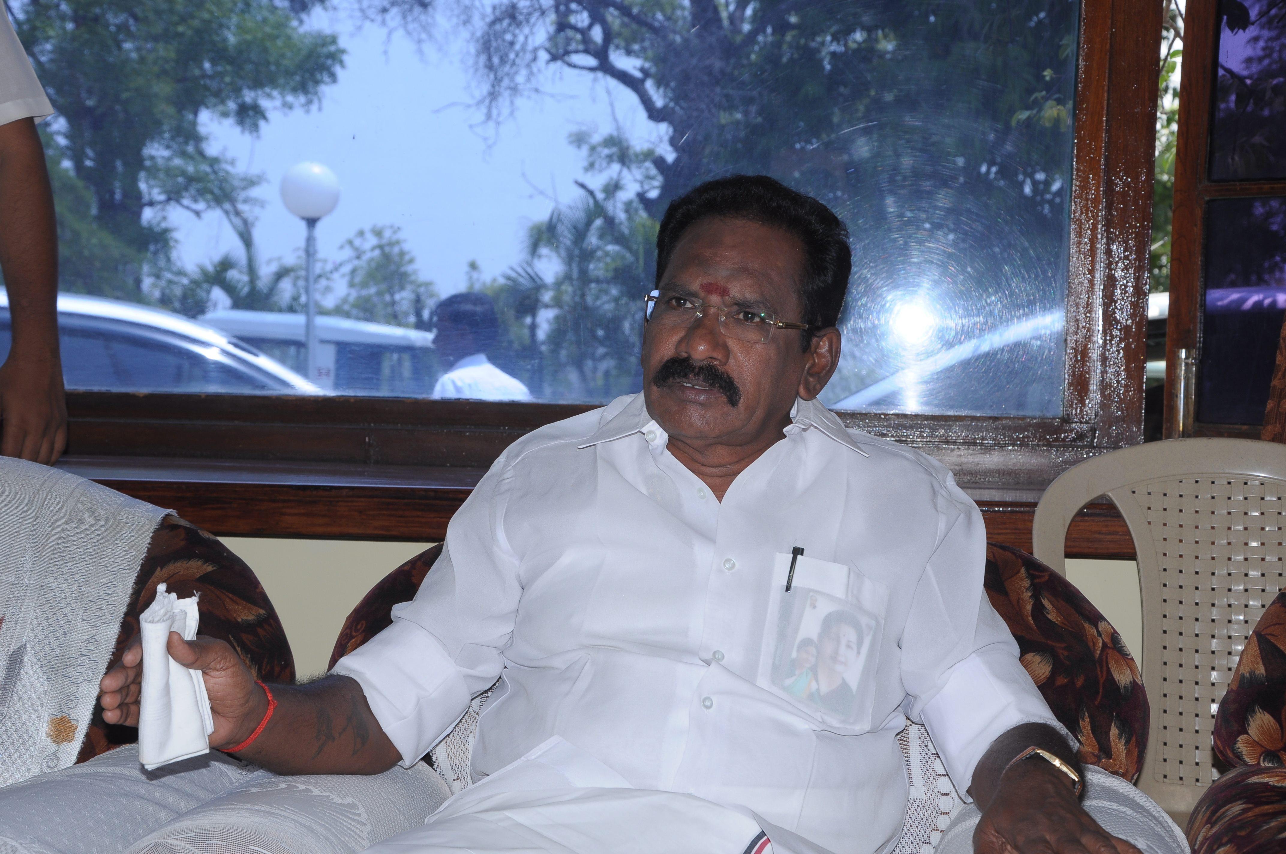 'தெர்மாகோல்' ராஜூவின் வரலாற்று புகைப்படங்கள்