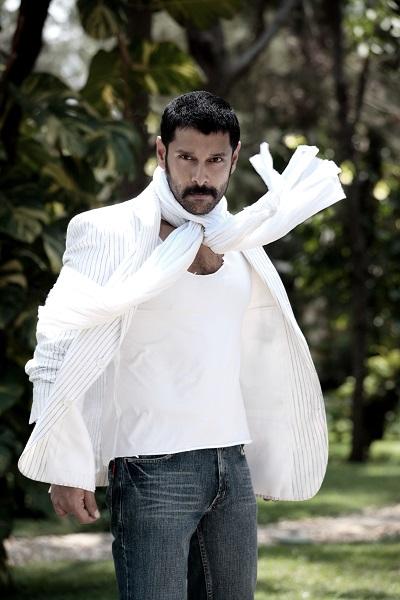 'சேது' முதல் 'துருவ நட்சத்திரம்' வரை..! - விக்ரமின் வித்தியாசமான கெட்டப்ஸ்! #HBDVikram