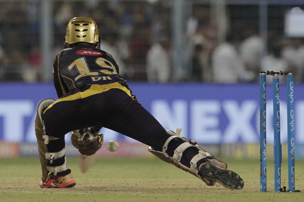 சைனாமேன் குல்தீப் ராக்ஸ்... கொல்கத்தா ராஜஸ்தானை தோற்கடித்த மொமன்ட்ஸ்!  #KKRvRR
