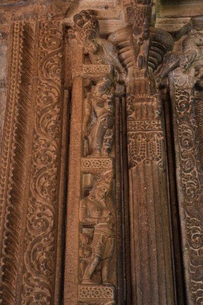 ஒரே ஒரு கிராமத்தில 120-க்கும் மேற்பட்ட கோயில்கள்... சிற்பக் களஞ்சியமாக விரிந்து கிடக்கும் அய்கொளெ கிராமம்! #Aihole