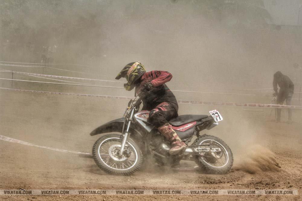 Dirt Track Race - அசத்திய வீரர்கள்! -  படங்கள் - ல.அகிலன்