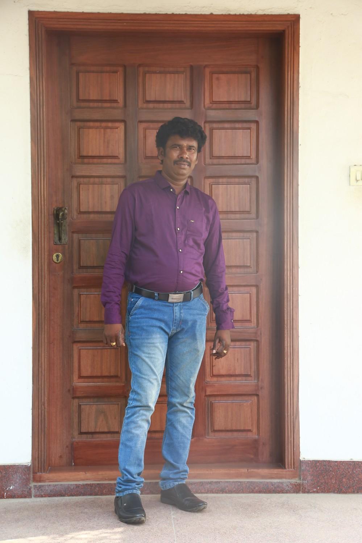 'சிரிச்சா போச்சு' ராமர் நடிக்கும் 'படைப்பாளன்' படத்தின் பூஜை ஆல்பம்..!
