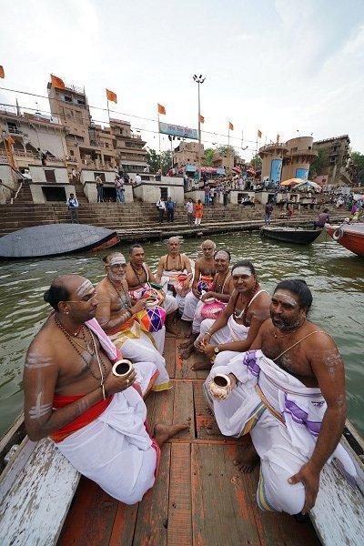 காசி விஸ்வநாதர் கோயிலுக்கு 239 ஆண்டுகளுக்குப் பின் கும்பாபிஷேகம்... தமிழரின் முயற்சி! #KashiVishwanathTemple
