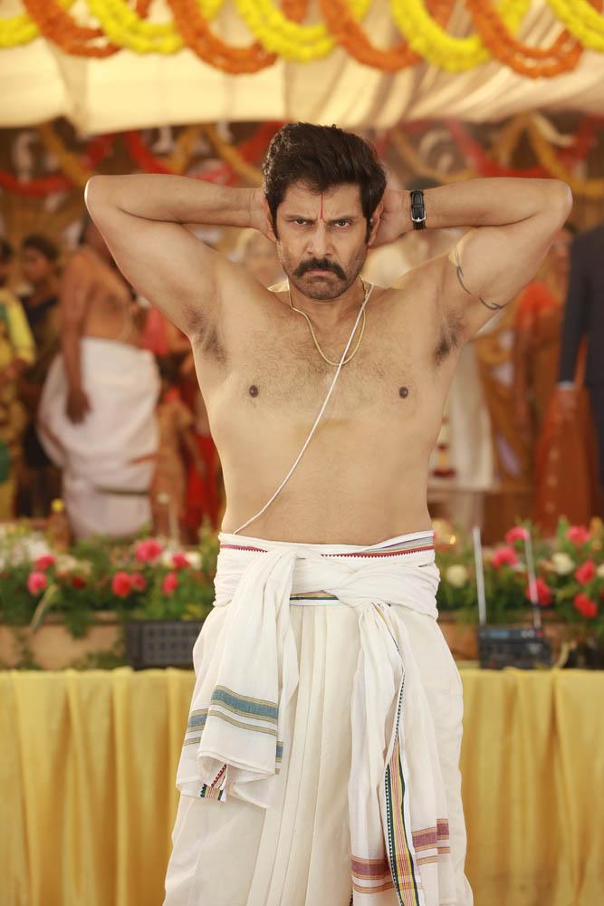 விக்ரம் - ஹரியின் 'சாமி-2' பட எக்ஸ்க்ளூசிவ் ஸ்டில்ஸ்..!