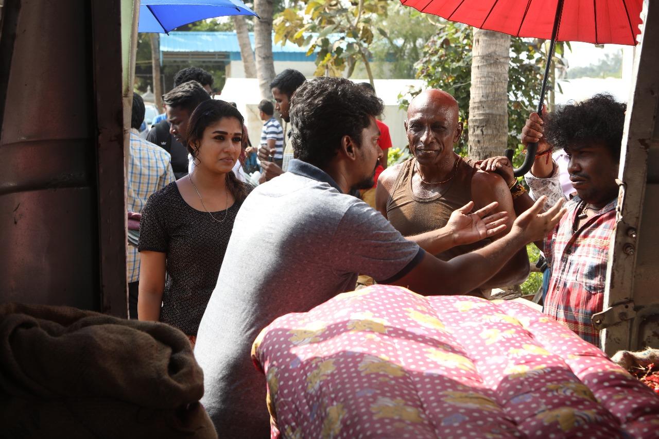 நயன்தாராவின் 'கோலமாவு கோகிலா' பட ஸ்டில்ஸ்..!
