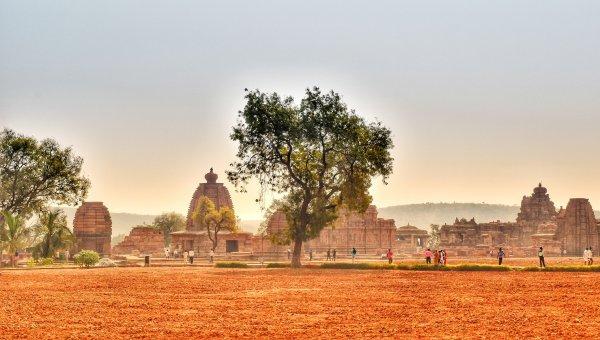 தென்னிந்திய வட இந்தியக் கலைகளின் சங்கமம் பட்டடக்கல் தொகுப்புக் கோயில்கள் Pattadakal