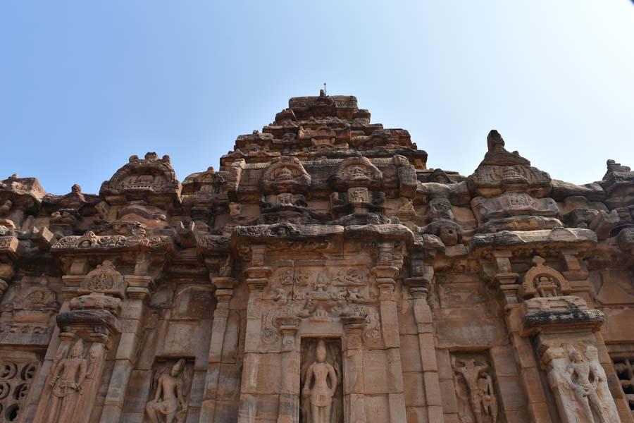 தென்னிந்திய வட இந்தியக் கலைகளின் சங்கமம்... பட்டடக்கல் தொகுப்புக் கோயில்கள்! #Pattadakal