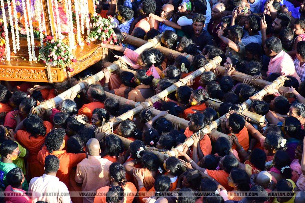 வேளாங்கண்ணி மாதா பேராலய ஆண்டுப் பெருவிழா கொடியேற்றம் படத்தொகுப்பு. படங்கள்: ர.கண்ணன்