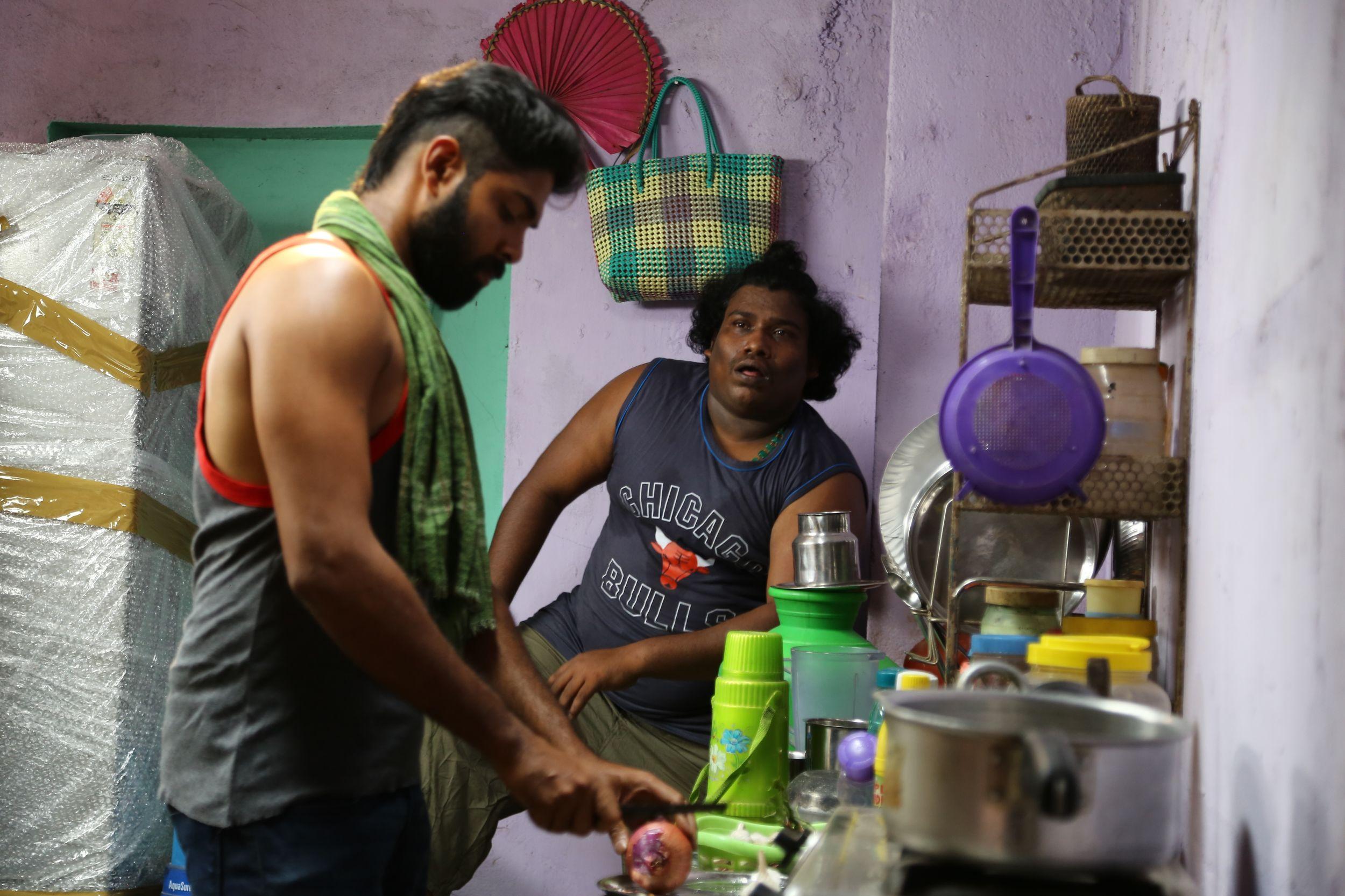 'லட்சுமி' குறும்பட இயக்குநரின் 'எச்சரிக்கை' பட ஸ்டில்ஸ்..!