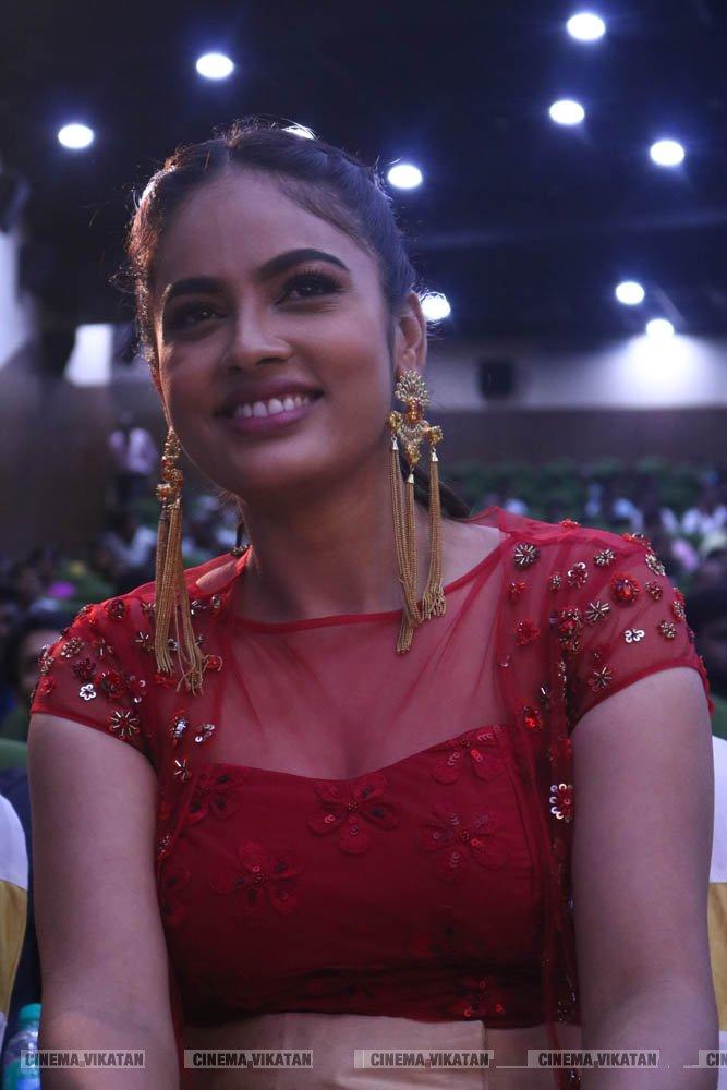 படவிழாவில் சுரபி, நந்திதா, த்ரிதா செளத்ரி..!... படங்கள்: கார்த்திகா பா