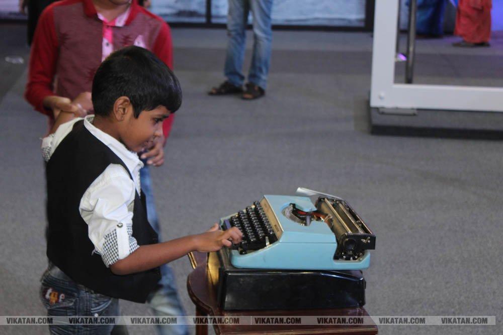 அசோக் லேலண்ட் 70 ஆண்டு பயணம்... அன்றிலிருந்து இன்று வரை சிறப்பு கண்காட்சி.... படங்கள்: ராகேஷ் பெ