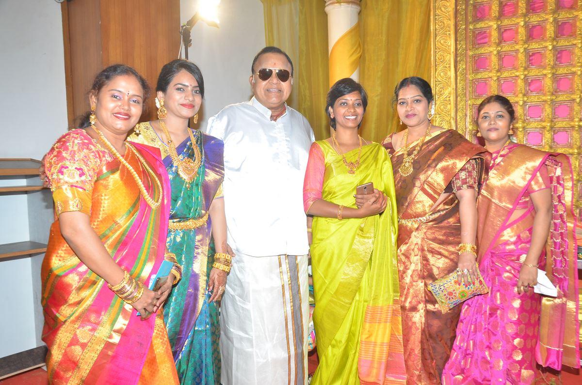 நடிகர் வாசு விக்ரம் மகளின் திருமண ஆல்பம்..!