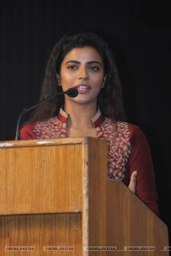 வடசென்னை படவிழாவில் நடிகை ஐஸ்வர்யா ராஜேஷ்... படங்கள் : ராகேஷ் பெ