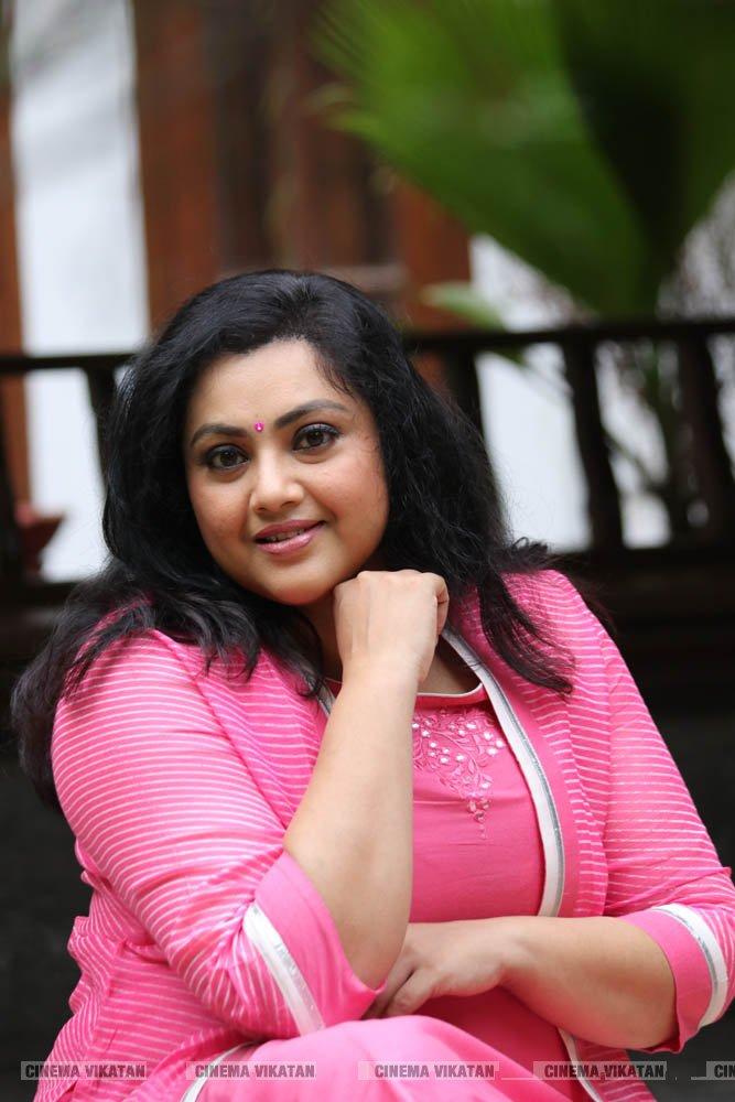 'மீனா - பொண்ணு' போட்டோஷூட்... படங்கள்: சு.குமரேசன்