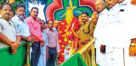 ராஜராஜசோழனின் 1033வது ஆண்டு சதயவிழா... கல்லூரி மாணவர்கள் பங்கேற்ற குத்துச்சண்டை போட்டி... #NewsInPhotos