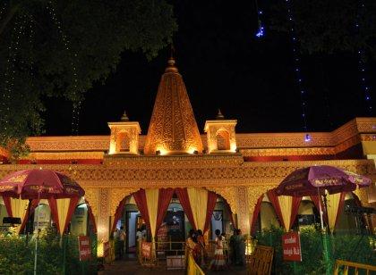 மதுரையில் பக்தர்களுக்காக அமைக்கப்பட்டுள்ள  ஷீரடி பாபா மாதிரி இல்லம்...  படங்கள்: வி.சதிஷ்குமார்