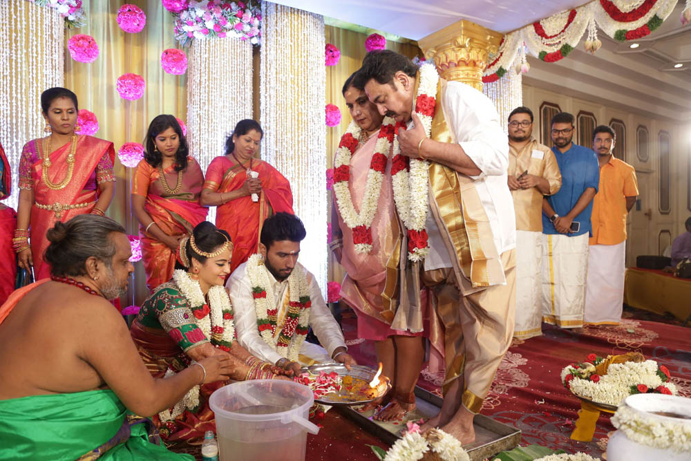நடிகர் சிவகுமார் - நடிகை சுஜா வருணி திருமணம்... ஆல்பம்