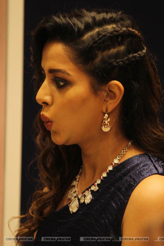 ரைசா வில்சன் லேட்டஸ்ட் ஸ்டில்ஸ்.... படங்கள்: வசிம்