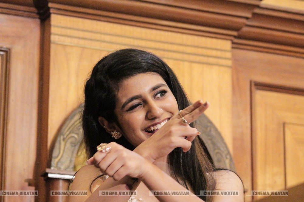பிரியா பிரகாஷ் வாரியர் லேட்டஸ்ட் ஸ்டில்ஸ்... படங்கள்: வள்ளிசௌத்திரி ஆ