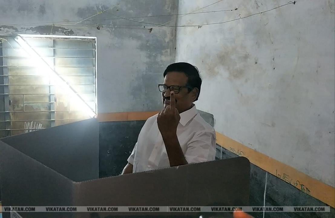 கமல், அஜித் முதல் முதல்வர் வரை... ஜனநாயகக் கடமையாற்றிய பிரபலங்கள்! - சிறப்பு புகைப்படத் தொகுப்பு