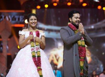 விஜய் டிவி நட்சத்திரங்கள் கொண்டாட்டத்தில் நடந்த விஜய் டெலி அவார்ட்ஸ் ஸ்டில்ஸ்