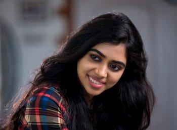 நடிகை லவ்லீன் சந்திரசேகர் போட்டோஷூட் ஸ்டில்ஸ்