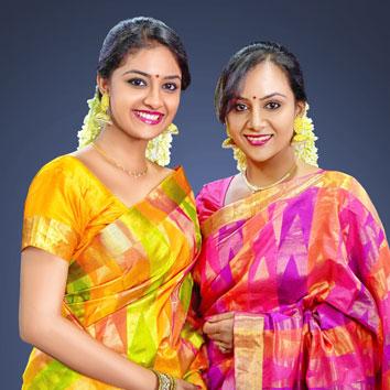 கட்டிப்புடிச்சு சண்டை போடுற அக்கா தங்கச்சி நாங்க! - இது கீர்த்தி சுரேஷ் - ரேவதி சுரேஷ்