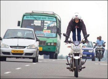 ``துயரமே எனக்குத் தூண்டுகோல்!'' - பைக் ரைடிங் சாதனையாளர் சைபி