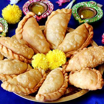 ட்ரடிஷனல் ஸ்வீட்ஸ்-காரம்