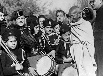 காந்திஜி - வாழ்வும்... வரலாறும்!