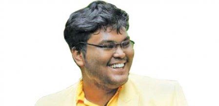 நம்ம சுட்டி ஸ்டார்... +2 பாடப்புத்தகத்தில்!