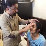 பிரகாஷ் ராஜ் , த்ரிஷாவிற்கு மேக்கப் செய்து நெகிழ வைத்த கமல்!