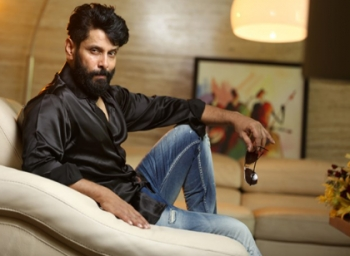 Vikram to play a negative character in 'Saamy 2'?