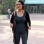 'பொண்ணு மாதிரி இருக்கணும்னு நினைக்கிறேன்' - ரித்திகா சிங் #VikatanExclusive