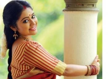 'Deivam Thandha Veedu' Meghna reveals about her marriage