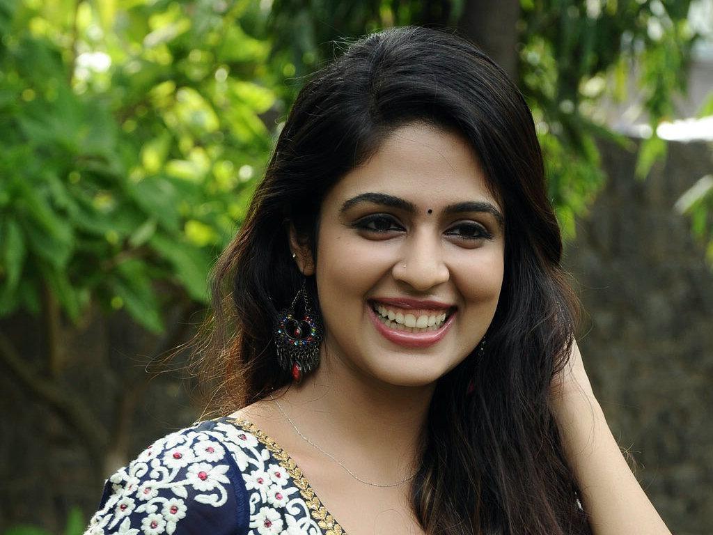 சீரியல் நடிகை மாளவிகா வேல்ஸ்