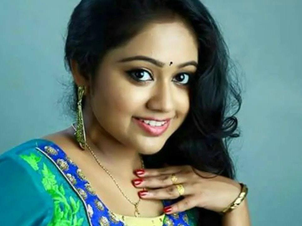 நடிகை மேக்னா வின்சென்ட்