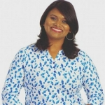 'அந்த விமர்சனங்களுக்கு எனக்குக் கிடைத்த விகடன் விருதே பதில்!' - ஆர்.ஜே.மிருதுளா #Video