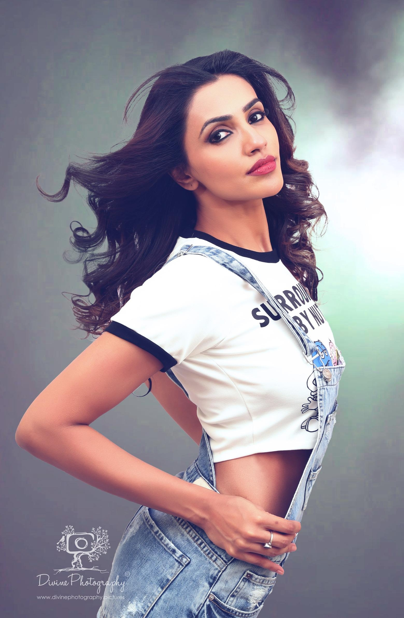 நடிகை அக்ஷரா கவுடா