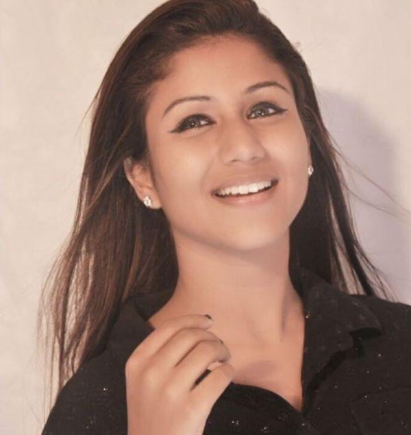 நடிகை அலியா மானஸா